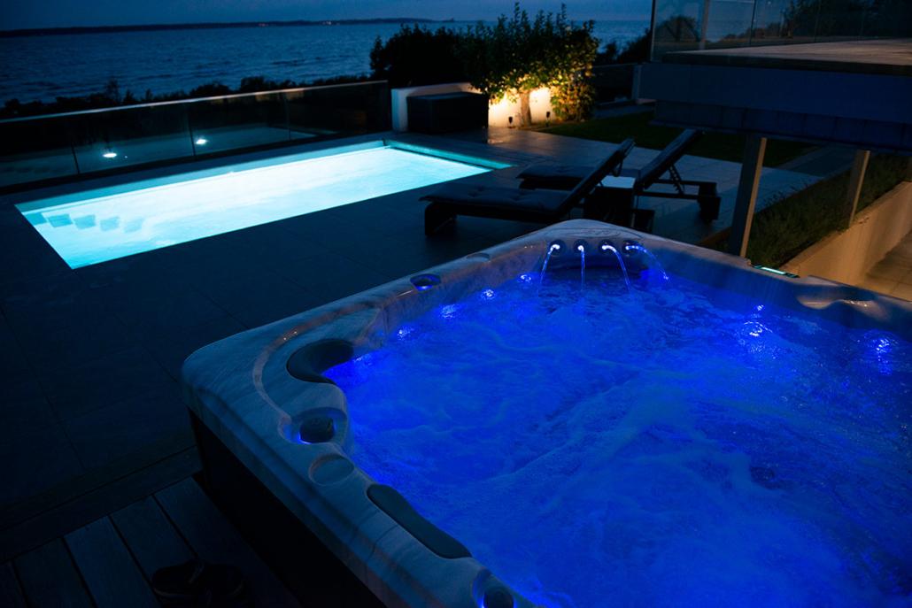 Neptun utomhusspa och pool