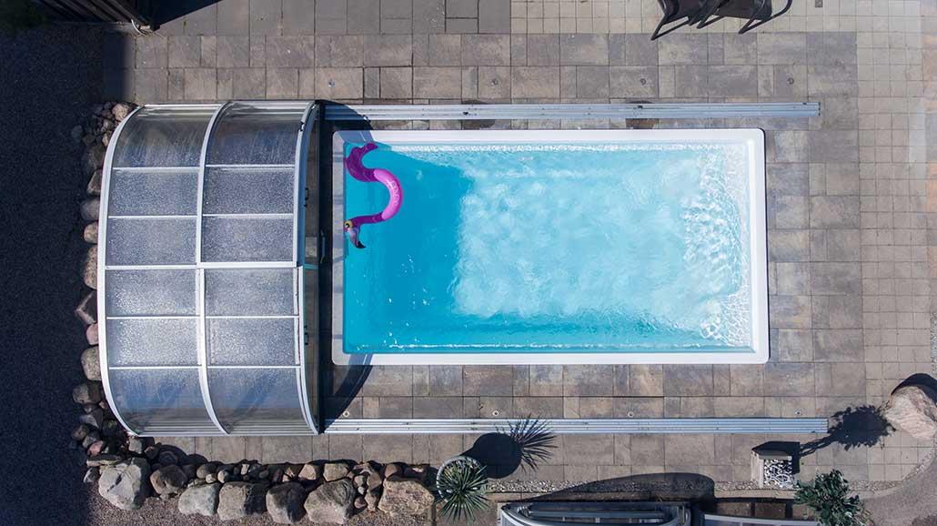 Pool och pooltak från Neptun